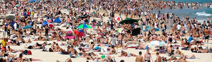 """La playlist """"kitsch"""" pour votre sortie sur la plage"""